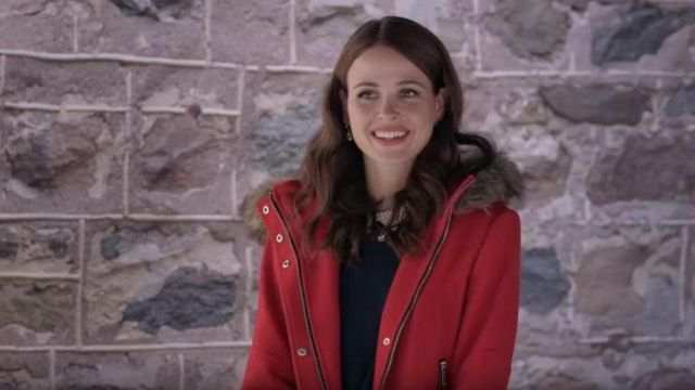 The Red Coat Of Kelsey Jocelyn Hudon In Marriage Under The Snow