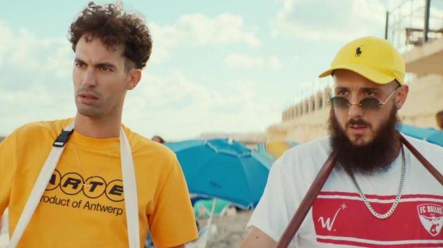 La casquette jaune Ralph Lauren portée par Caballero dans le clip Dégueulasse de Caballero & JeanJass