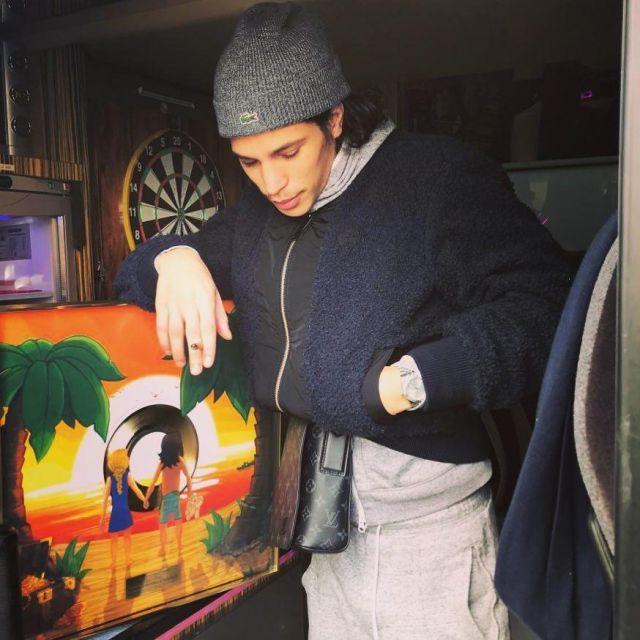 Le bonnet gris Lacoste porté par Moha La Squale sur son compte Instagram @mohalasquale