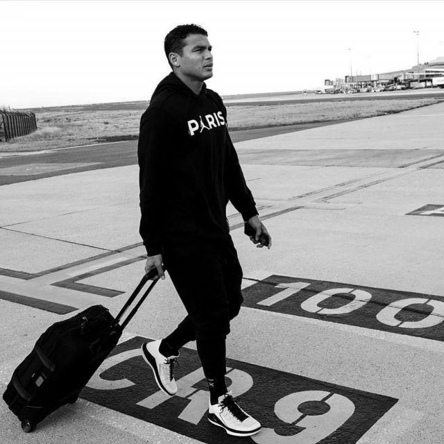 The sweatshirt PSG x Jordan by Nike worn by Thiago Emiliano