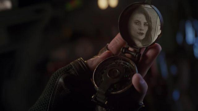 The compass military Steve Rogers / Captain America (Chris Evans) in the Avengers : Endgame