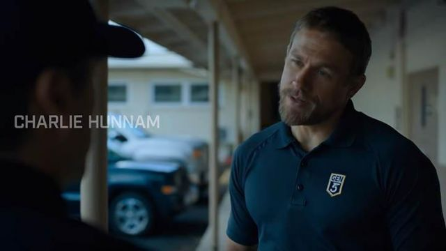Le polo Gen5 Glock USA de William 'Ironhead' Miller (Charlie Hunnam) dans Triple Frontier