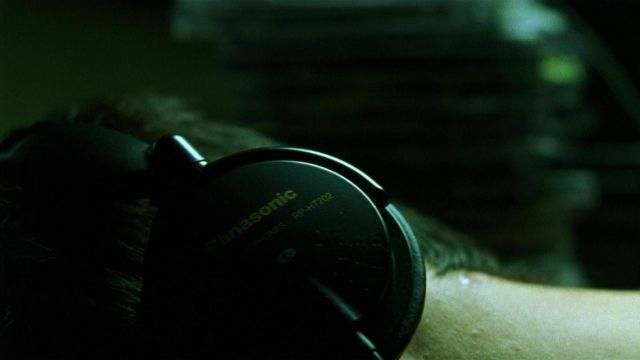 Panasonic RP-HT202 headphone used by Neo (Keanu Reeves) in The Matrix