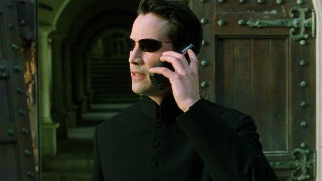 Samsung SPH-N270 of Neo (Keanu Reeves) in The Matrix Reloaded
