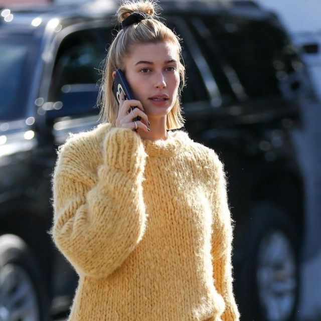 The Row Ophelia Crewneck Long Sleeve Cashmere Sweater worn by Hailey Rhode Bieber in Los Angeles - 20 December 2018