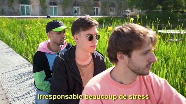 Le sweatshirt Lazy Oaf porté par Squeezie dans la vidéo YouTube Freestyle de potes feat. Seb, Maxenss