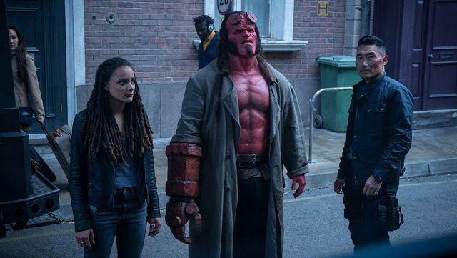 The grey coat of Hellboy (David Harbour) in Hellboy