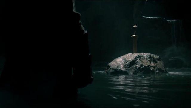 L'épée Excalibur de Hellboy (David Harbour) dans Hellboy