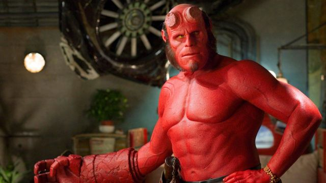The complete costume of Hellboy (Ron Perlman) in Hellboy