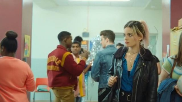 The leather jacket worn by Maeve (Emma Mackey) in Sex Education S01E07
