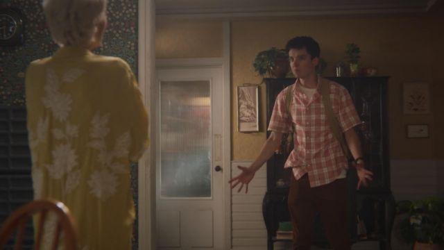 Pink plaid shirt worn by Otis (Asa Butterfield) as seen in Sex Education S01E08