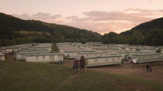 Maeve's (Emma Mackey) home in Sterrett's Caravan Park in Ross-on-Wye, UK as seen in Sex Education S01E03