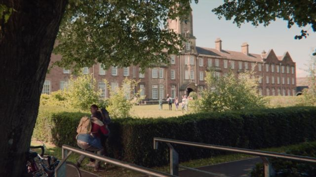 Old Caerleon campus of University of South Wales (USW) hosting Moordale Secondary high school in Sex Education S01E02