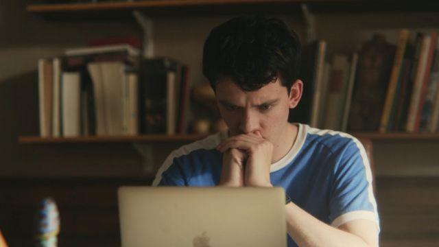 Otis' (Asa Butterfield) blue t-shirt as seen in Sex Education S01E08
