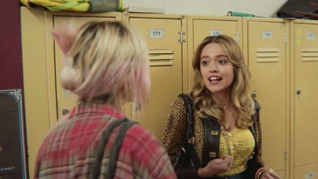 Aimee Gibbs' (Aimee Lou Wood) owl pendant as seen in Sex Education S01E03