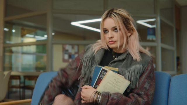 Maeve's (Emma Mackey) book Emma by Jane Austen as seen in Sex Education S01E04