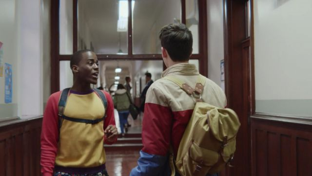 The backpack vintage worn by Otis (Asa Butterfield) in Sex Education S01E04