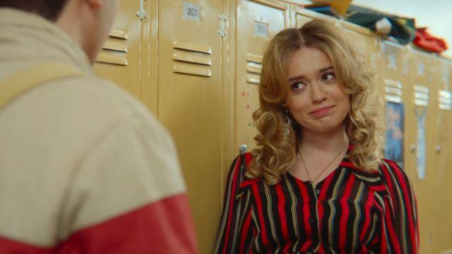 The blouse striped Aimee Gibbs (Aimee Lou Wood) in Sex Education S01E06