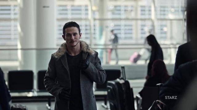 The jacket for Low Key Lyesmith / Loki (Jonathan Tucker) in American Gods-season 1