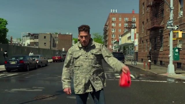 The jacket camouflage worn by Frank Castle (Jon Bernthal) in Marvel's The Punisher S02E07