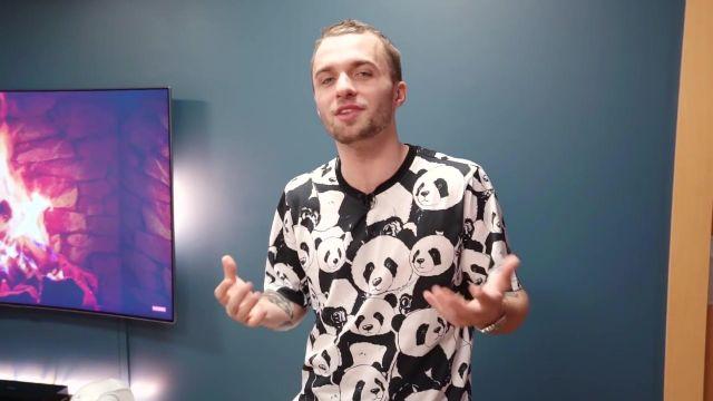 Le t-shirt Dolce & Gabbana à motif panda de Squeezie dans sa vidéo YouTube Mon nouveau décor