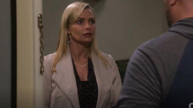 Vince Scuba Jacket worn by Jill Kendall (Jaime Pressly) in Mom (S06E15) | Spotern