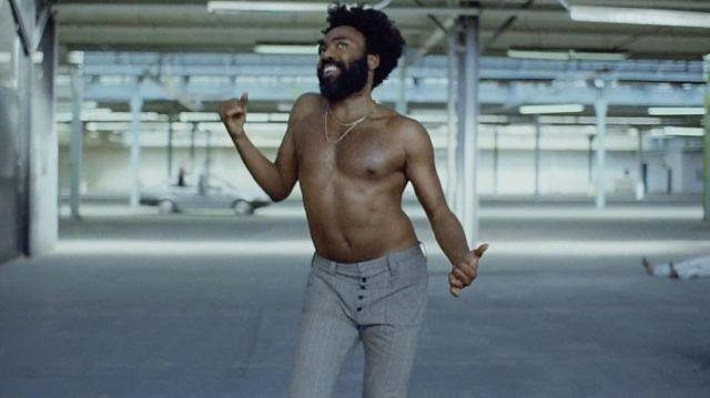 Le pantalon de Donald Glover dans son clip This Is America de Childish Gambino
