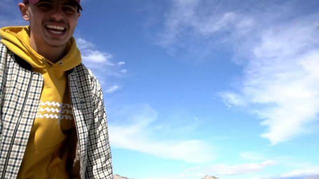 7e3a16185 La veste à carreaux Lacoste de Prime dans son clip Tout Donner | Spotern