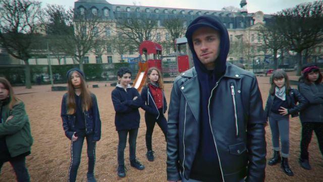 La veste en cuir de Squeezie dans sa vidéo YouTube Réponse à Cyprien