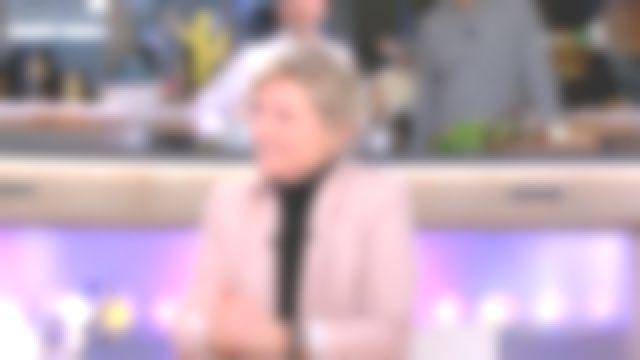 La veste blazer cintrée de Anne-Élisabeth Lemoine dans C à vous du 05/03/2019