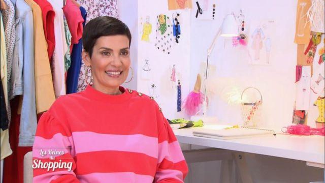 Le pull rouge et rose à rayures de Cristina Cordula dans Les reines du shopping du 25/06/2018