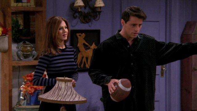 Wilson Football utilisés par Joey Tribbiani (Matt LeBlanc) Amis (S03E09)