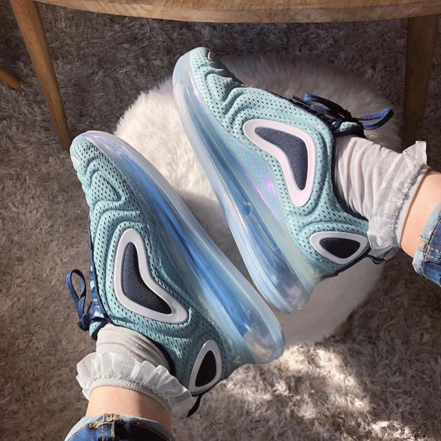 chaussure air max 720 fausse