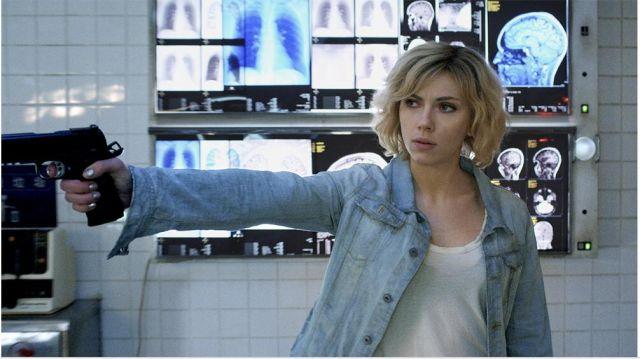 The jacket by john Lucy (Scarlett Johansson) in Lucy