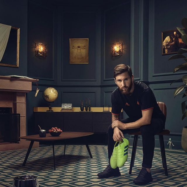 separation shoes 0b60e aba0f The black jersey Adidas worn by Leo Messi on the account ...