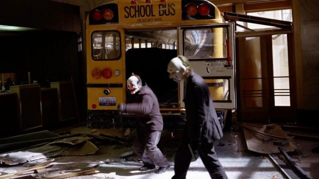 The clown mask worn by the driver of the bus in The Dark Knight : The black Knight