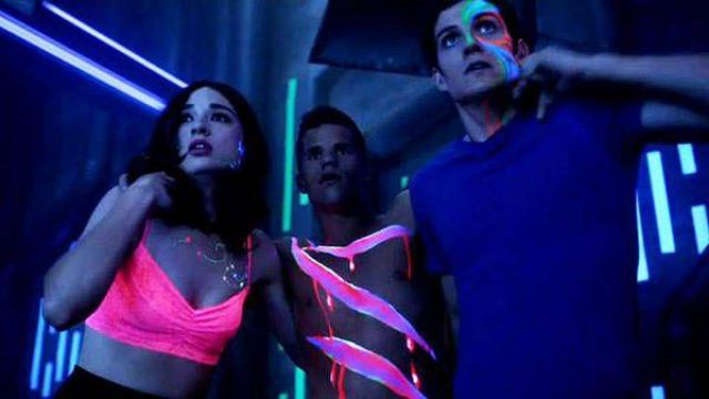 Pink Bra worn by Allison Argent (Crystal Reed) as seen in Teen Wolf S03E16