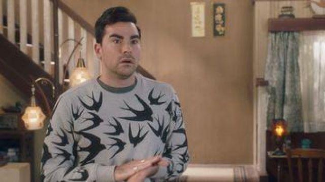 McQ Alexander McQueen Swallows print Sweatshirt worn by David Rose (Dan Levy) in Schitt's Creek (S03E10)