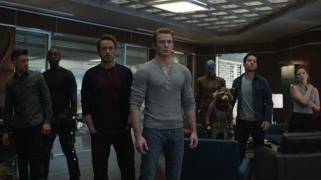 Grey Shirt worn by Steve Rogers / Captain America (Chris Evans) in Avengers: Endgame
