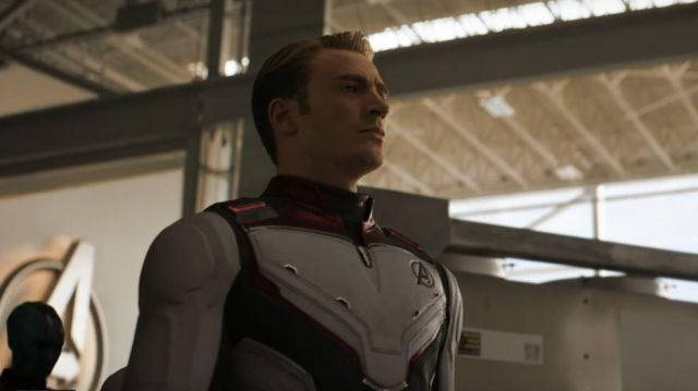 The combination Quantum of the Avengers worn by Steve Rogers / Captain America (Chris Evans) in the Avengers : Endgame