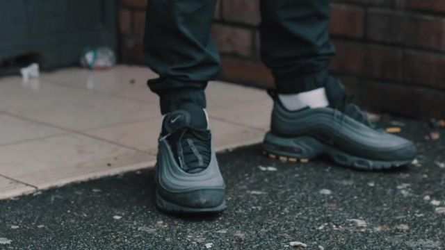 Sneakers Nike Air Max Plus 97 carried by MALTY 2BZ in her
