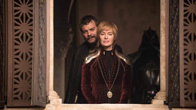 Velvet Costume Cosplay worn by Cersei Lannister (Lena Headey) in Game of Thrones (S08E04)