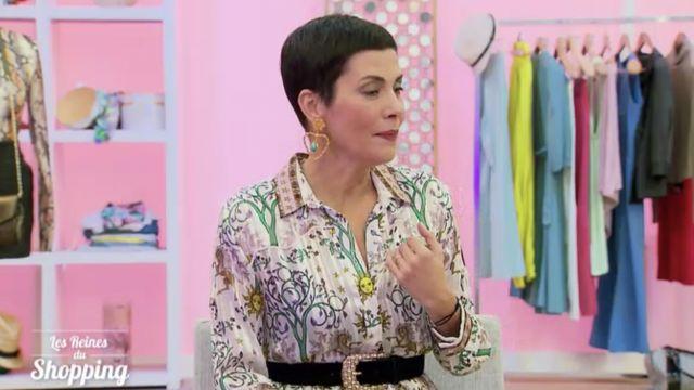 Les boucles d'oreilles dorées en forme de cœur de Cristina Cordula dans Les Reines Du Shopping du 15 Février 2019