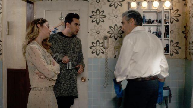 Isabel Marant Etoile de Soie Imprimée Crème de la Baisse de la Taille de la Robe portée par Alexis Rose (Annie Murphy) dans Schitt s Creek (S03E04)