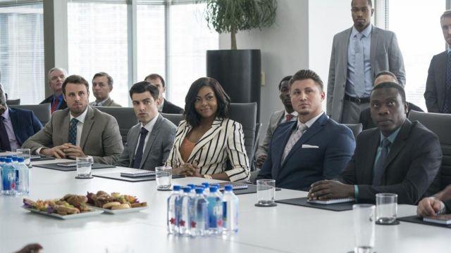 Le blazer blanc rayé en noir de Ali Davis (Taraji P. Henson) dans What Men Want