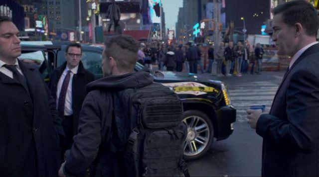 The backpack, 3V Gear Elliot in Mr Robot