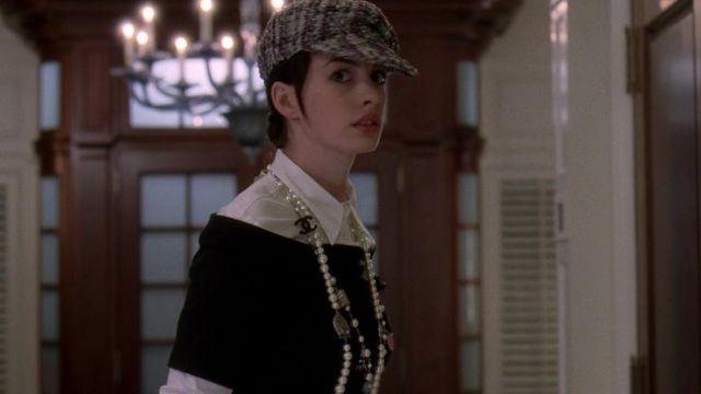 The white blouse Miu Miu by Andrea Sachs (Anne Hathaway) in The devil wears  Prada   Spotern