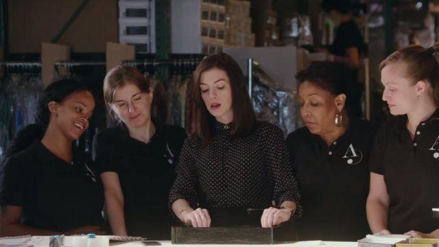 La montre Cartier de Jules Ostin (Anne Hathaway) dans Le nouveau stagiaire