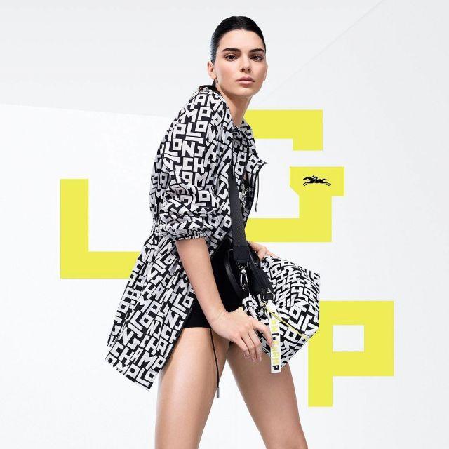 Le sac LGC pliage Longchamp x Kendall Jenner porté par Kendall Jenner sur le compte instagram de @longchamp