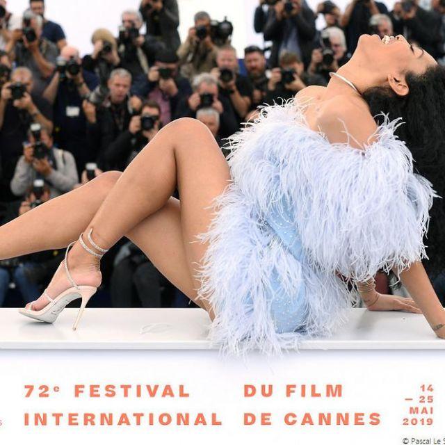 Les sandales talons aiguilles à strass portées par Lenya Bloom au Festival de Cannes 2019